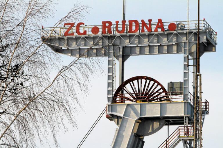 Ώρες αγωνίας! Αγνοούνται εννιά μεταλλωρύχοι στην Πολωνία – video | Newsit.gr