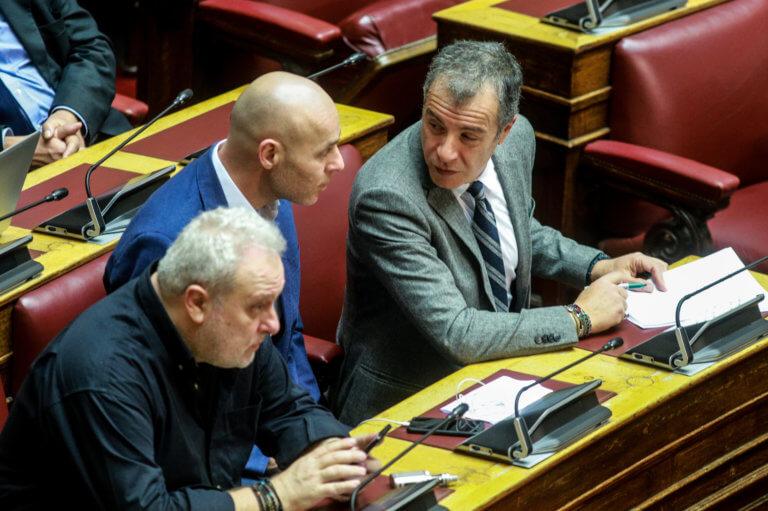 Ψαριανός και Θεοδωράκης σχεδόν πιάστηκαν στα χέρια! | Newsit.gr