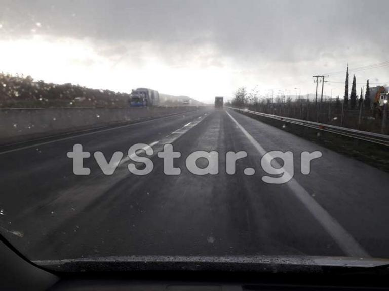 Καιρός: Χιονίζει στη Ριτσώνα – video | Newsit.gr
