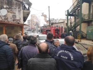 Κομοτηνή: Φιάλες υγραερίου άρχισαν να σκάνε σε κατάστημα – Στο νοσοκομείο ένας εργαζόμενος – video