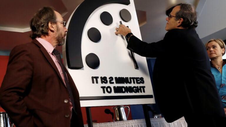 Μια «ανάσα» από την πυρηνική καταστροφή! Δύο λεπτά πριν τα… μεσάνυχτα το «ρολόι της αποκάλυψης» | Newsit.gr