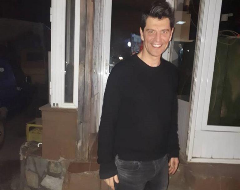 Σάκης Ρουβάς: Πήγε για φαγητό με τον πεθερό του στην Λάρισα και προκάλεσε… «χαμό»! Δείτε τα στιγμιότυπα | Newsit.gr