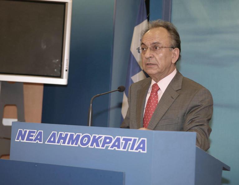 Πέθανε ο Δημήτρης Σιούφας | Newsit.gr