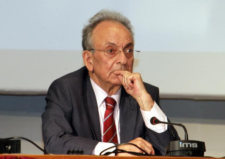 Δημήτρης Σιούφας: Αρνήθηκε την κηδεία δημοσία δαπάνη η οικογένειά του | Newsit.gr