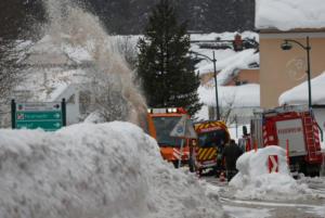 Αποκλεισμένο λόγω χιονοστιβάδας ένα χωριό στην Ελβετία!