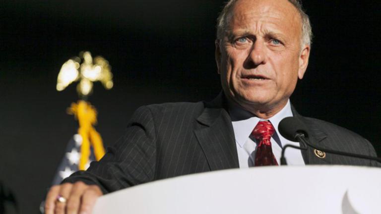ΗΠΑ: Βουλευτής διερωτήθηκε… γιατί απαγορεύεται η φράση «λευκή υπεροχή»   Newsit.gr