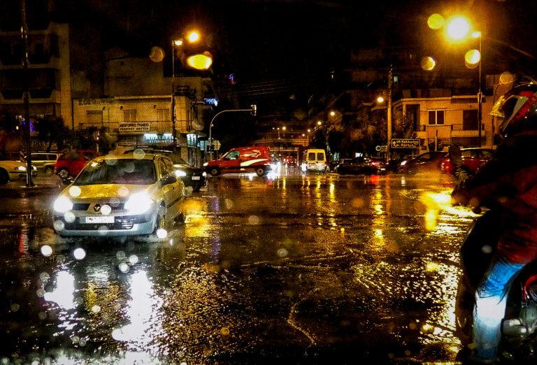 Καιρός: Σφοδρή καταιγίδα έπληξε τα βόρεια προάστια! | Newsit.gr