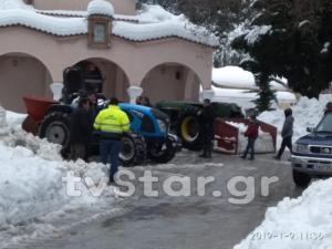 Καιρός: Πέθανε αβοήθητος σε αποκλεισμένο χωριό της Εύβοιας – Τα χιόνια εκμηδένισαν τις ελπίδες!