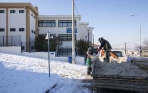 Κλειστά σχολεία και κλειστοί δρόμοι από το χιόνι – Διαρκής ενημέρωση