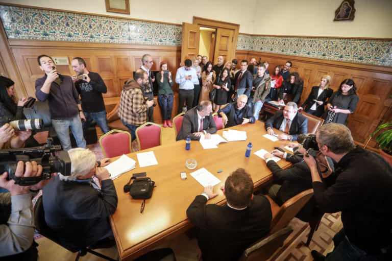 ΑΝΕΛ: Διαψεύδουν την πρόθεση Καμμένου για απόσυρση των υπουργών