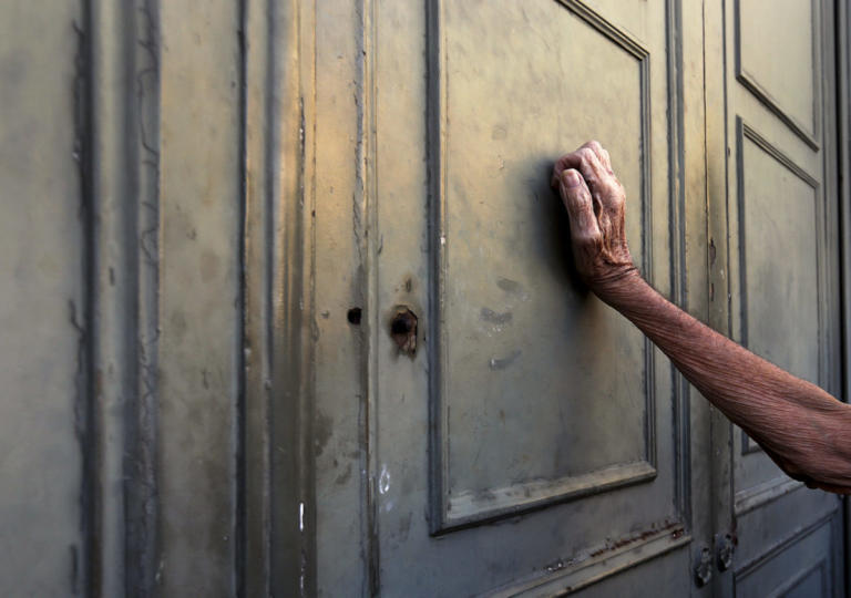 Η Ελλάδα μικραίνει και γερνάει – Αρνητικά ρεκόρ 70 ετών | Newsit.gr