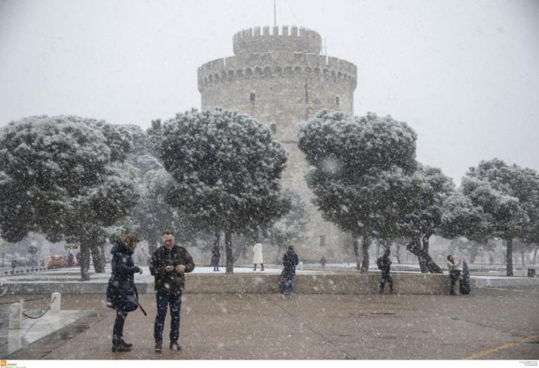 Μπλακ άουτ σε πολλές περιοχές της Θεσσαλονίκης εξαιτίας του χιονιά! | Newsit.gr
