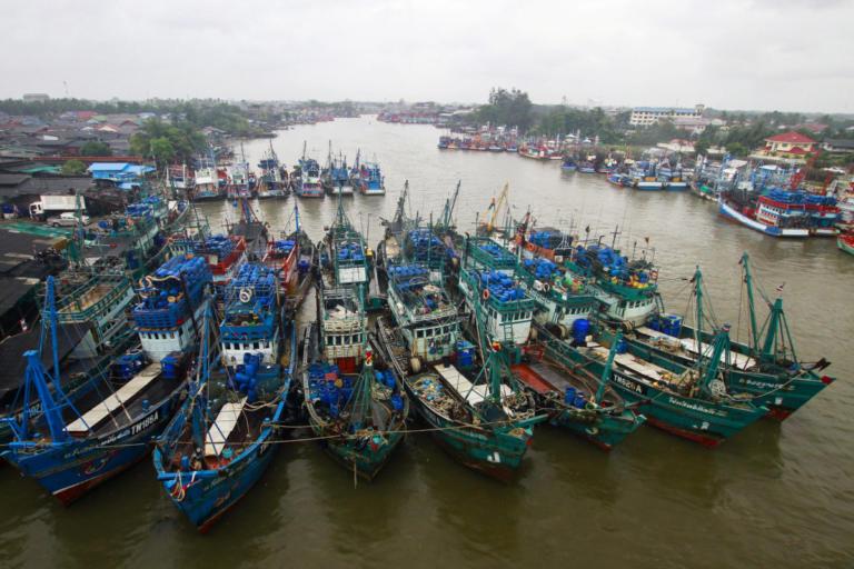 Τρόμος στην Ταϊλάνδη! Άρον άρον φεύγουν οι τουρίστες – Περιμένουν κύματα 5 μέτρων! | Newsit.gr