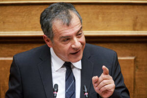 Θεοδωράκης: Γιατί δεν απαντούν οι κυβερνητικοί στην πρόκληση Γκουαϊδό;