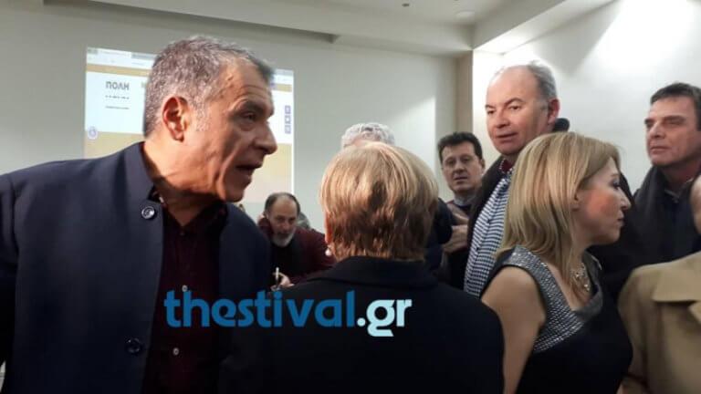 Θεσσαλονίκη: Επίθεση στον Σταύρο Θεοδωράκη – «Δεν έχεις δουλειά εδώ, μας ξεπουλήσατε» – video | Newsit.gr