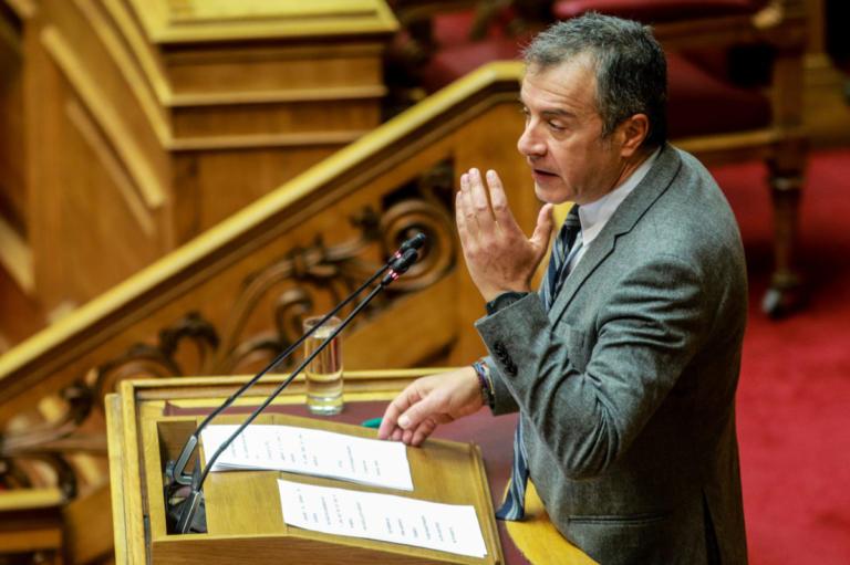Θεοδωράκης: Θετική ψήφος για τις Πρέσπες δεν σημαίνει ψήφος εμπιστοσύνης στην κυβέρνηση | Newsit.gr
