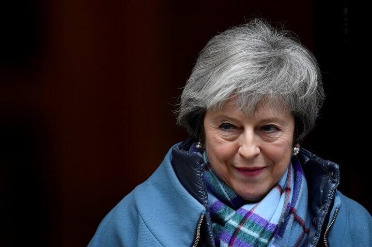 Brexit: Μύλος! Επαναδιαπραγμάτευση της συμφωνίας θέλει τώρα η Μέι