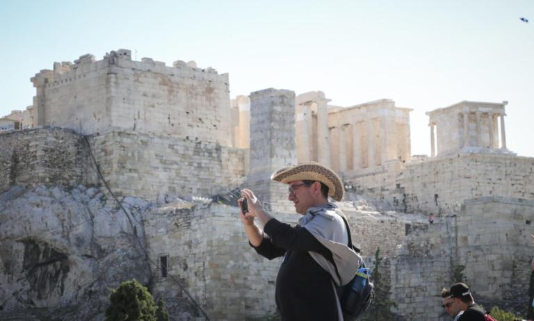 Για ρεκόρ στον ελληνικό τουρισμό το 2018 μιλά αυστριακή εφημερίδα