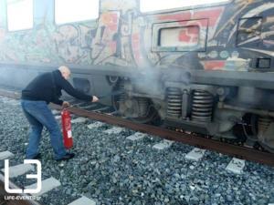 Θεσσαλονίκη: Φωτιά σε τρένο με κατεύθυνση την Αθήνα – Πυκνοί καπνοί πριν το Λιανοκλάδι [pics]