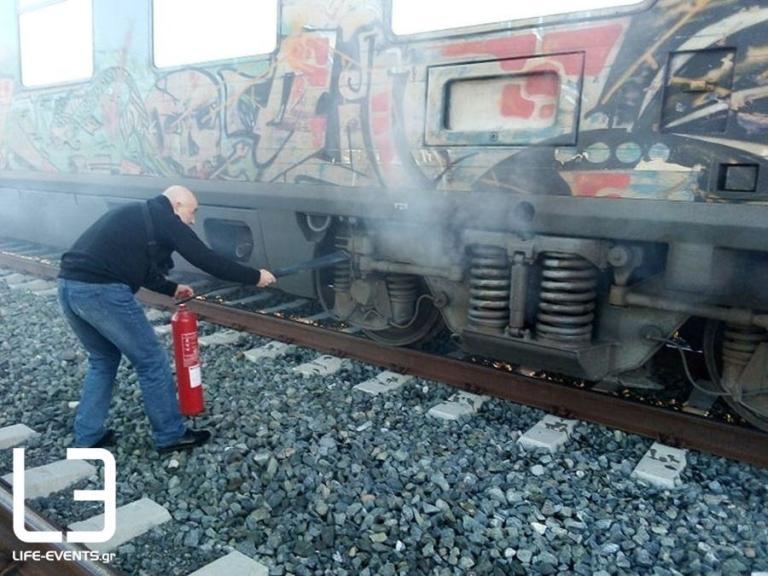 Θεσσαλονίκη: Φωτιά σε τρένο με κατεύθυνση την Αθήνα – Πυκνοί καπνοί πριν το Λιανοκλάδι [pics] | Newsit.gr