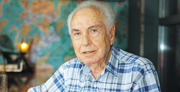 Πέθανε ο ηθοποιός Τρύφωνας Καρατζάς | Newsit.gr