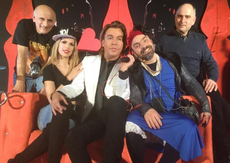 «Γόβα παρθένα»: Τρύφωνας Σαμαράς και Τάκης Βαμβακίδης έκαναν θεατρική πρεμιέρα![pics,vid]