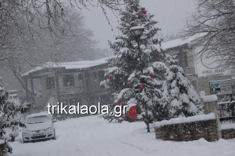 Καιρός: Σφοδρή χιονόπτωση στα Τρίκαλα – video | Newsit.gr