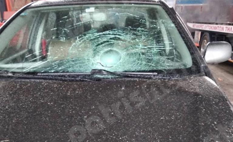 Ηλεία: Ανατριχιαστικός θάνατος οδηγού που βρισκόταν έξω από το αυτοκίνητό του! | Newsit.gr