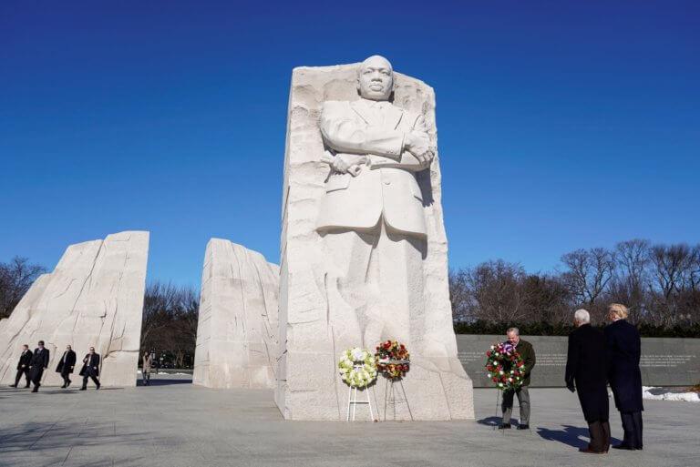 Ο Τραμπ στην… σκιά του Μάρτιν Λούθερ Κινγκ Τζούνιορ [pics]