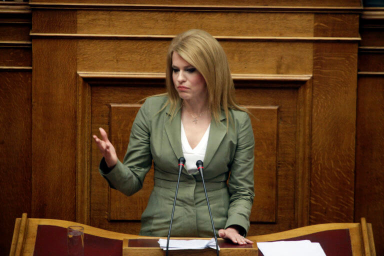 Η Βουλή καταδικάζει την επίθεση στο σπίτι της Θεοδώρας Τζάκρη   Newsit.gr