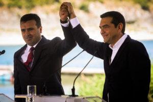 Politico: Ο Τσίπρας «ξεπλήρωσε» με τη Συμφωνία των Πρεσπών την Ε.Ε για το 2015