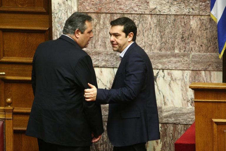 Διεθνή ΜΜΕ: Οι Έλληνες εθνικιστές παραιτούνται – Ο Τσίπρας ζητά ψήφο εμπιστοσύνης
