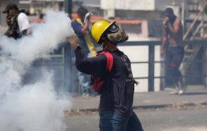 Χάος: H Βενεζουέλα με 2 Προέδρους