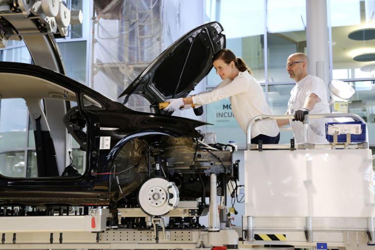 Η Volkswagen σου δίνει τη δυνατότητα να φτιάξεις εσύ το ηλεκτρικό σου αυτοκίνητο!   Newsit.gr