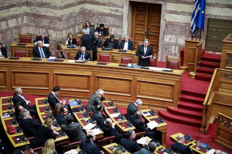 Συμφωνία των Πρεσπών – Βόμβες από σύμβουλο Μητσοτάκη: Οι βουλευτές ψηφίζουν μια λευκή επιταγή! | Newsit.gr