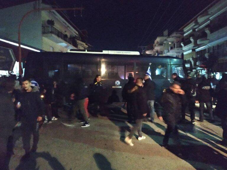 Απέκλεισαν το σπίτι βουλευτoύ του ΣΥΡΙΖΑ στην Κατερίνη! [pics] | Newsit.gr