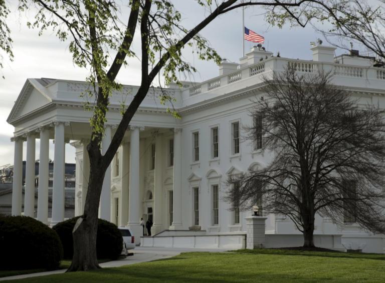 Λευκός Οίκος: Τέλος τα ταξίδια γερουσιαστών και βουλευτών με κυβερνητικά αεροσκάφη, χωρίς έγκριση   Newsit.gr