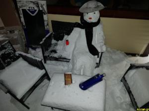 Καιρός: Το χτύπημα κεραυνού σε σπίτι και οι ιδιαίτερες εικόνες της κακοκαιρίας – Απόλαυση στα χιόνια – video