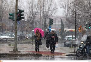 Καιρός: Χαμηλές θερμοκρασίες και καταιγίδες την Τετάρτη
