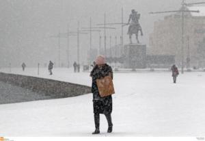 Καιρός: Χάος στους δρόμους και μπάχαλο με τα κλειστά σχολεία στη Θεσσαλονίκη – Οι νέες εικόνες στα χιόνια!