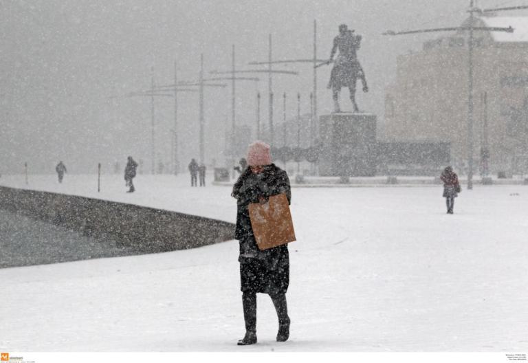 Καιρός: Χάος στους δρόμους και μπάχαλο με τα κλειστά σχολεία στη Θεσσαλονίκη – Οι νέες εικόνες στα χιόνια! | Newsit.gr