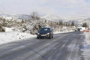 Μπλόκο στην κυκλοφορία φορτηγών στην Αθηνών – Λαμίας λόγω χιονόπτωσης!