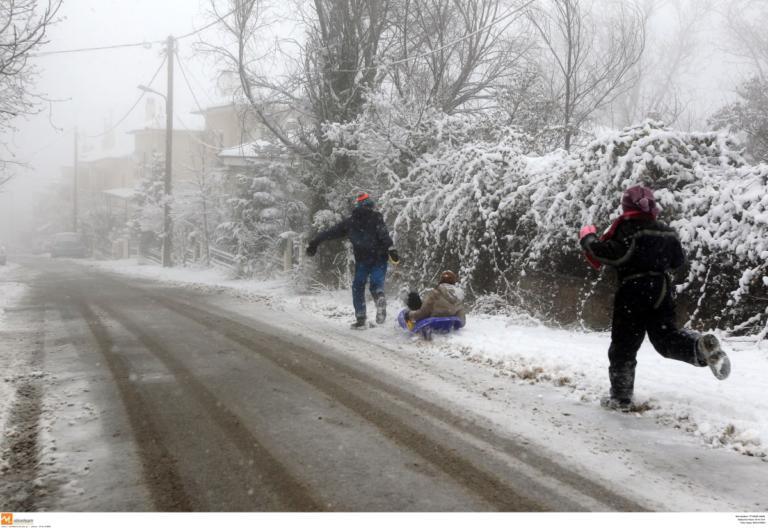 """Καιρός: Αγριεμένη η """"Σοφία"""" – Φέρνει χιόνια ακόμα και στην Αθήνα!"""