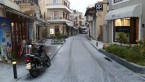 Ρέθυμνο: Μια πόλη αλλιώτικη στα χιόνια – Κλειστά σχολεία σε Ανώγεια και Μυλοπόταμο!