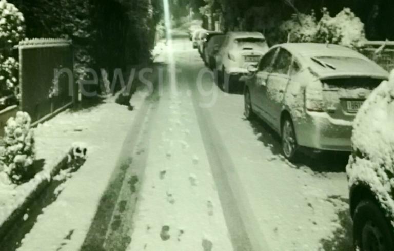 Χιόνια στα βόρεια προάστια! Το 'στρωσε σε Άνοιξη, Πολιτεία, Εκάλη [pics]