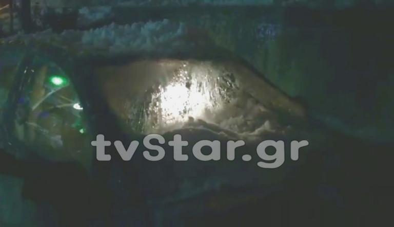 Καιρός: Το χιόνι έσπασε αυτοκίνητο στο Καρπενήσι – video | Newsit.gr