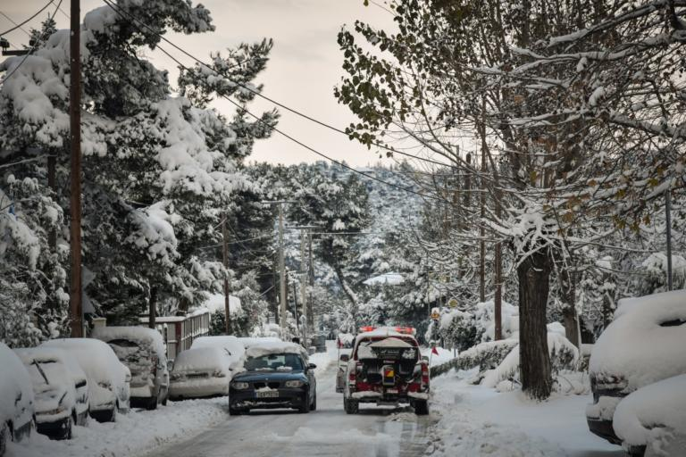Καιρός: Χιόνια, βροχές και θυελλώδεις άνεμοι – Πού και πότε θα χιονίσει