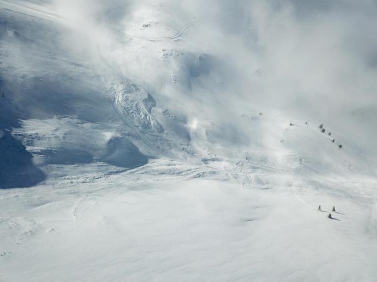 Καλάβρυτα: Χιονοστιβάδα 1 εκατ. τόνων εξαφάνισε πίστα στο χιονοδρομικό κέντρο! – Video | Newsit.gr