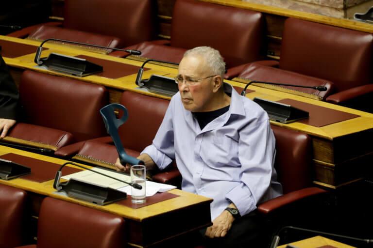 Βουλή: «Σατανάς» Ζουράρις! Το αστείο που έκανε «με το καλημέρα»! video | Newsit.gr