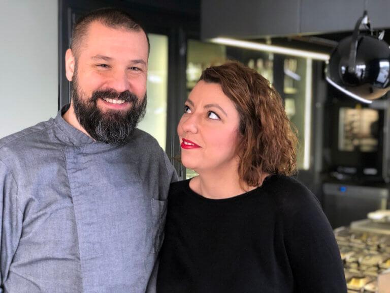 Θεσσαλονίκη: Έκαναν το σπίτι τους πριβέ εστιατόριο και δικαιώθηκαν – Το ζευγάρι που κέρδισε το στοίχημα!